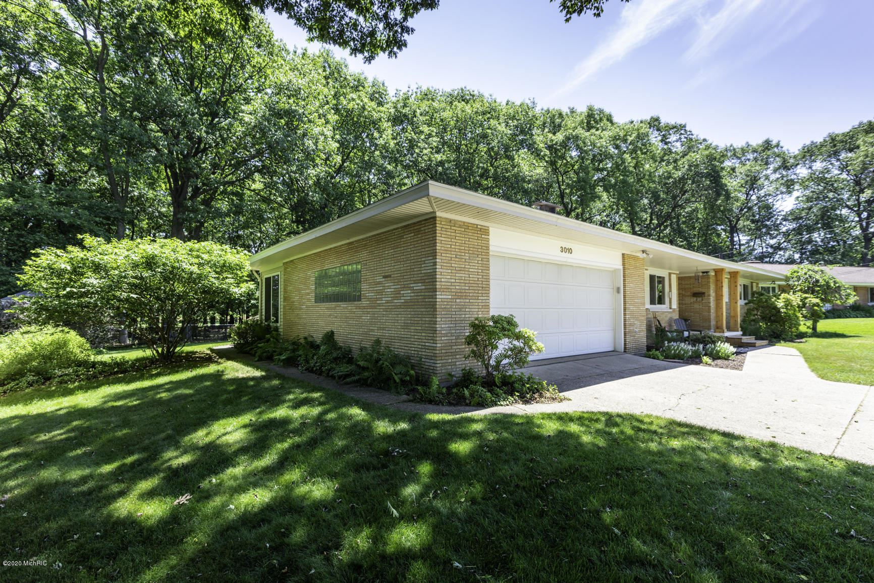 Photo of 3010 Country Club Drive, Muskegon, MI 49441 (MLS # 20025363)