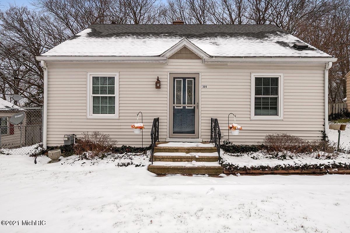 309 E Oak Grove Avenue, Parchment, MI 49004 - MLS#: 21000368