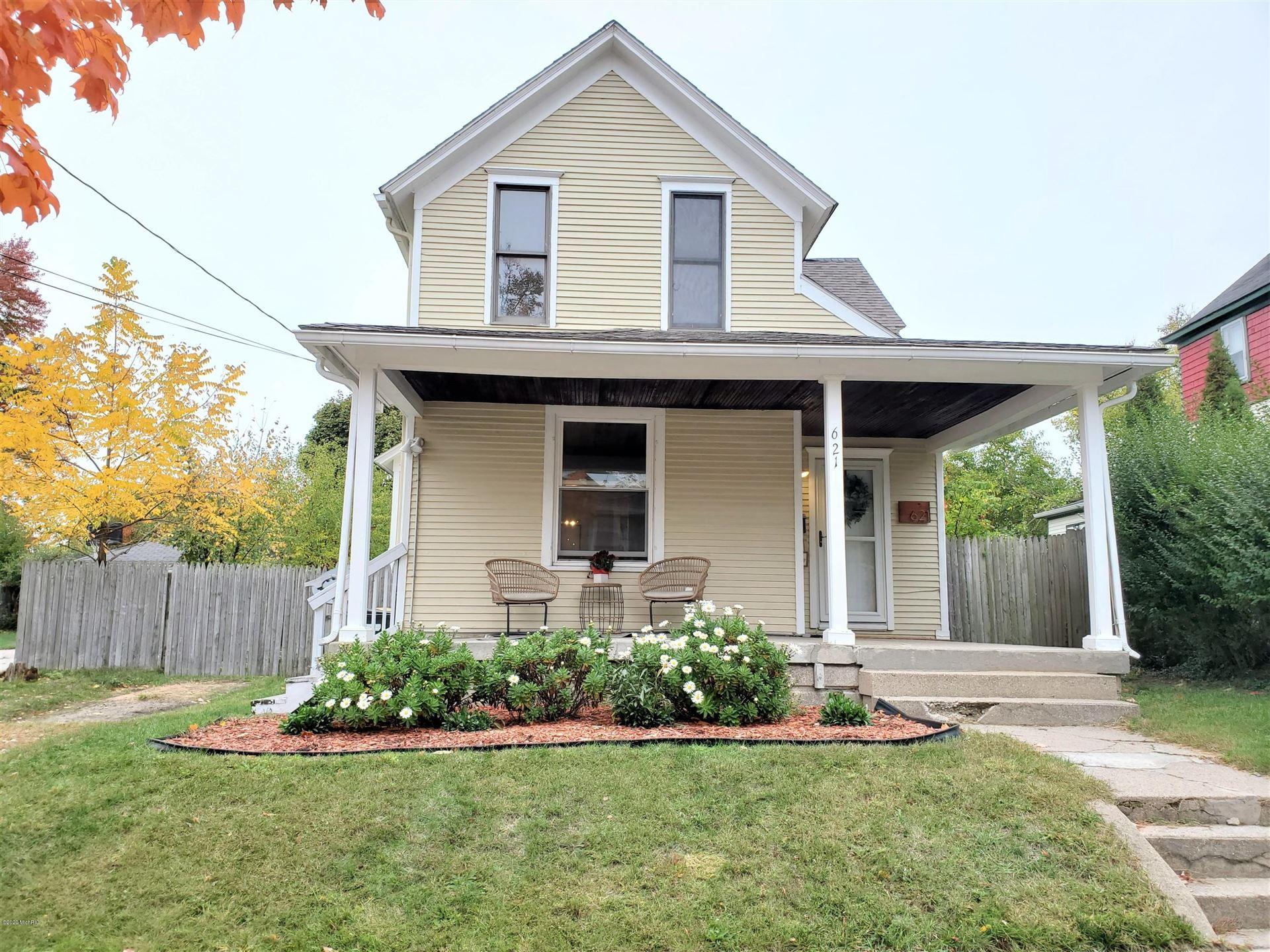 621 Bates Street SE, Grand Rapids, MI 49503 - #: 20043370
