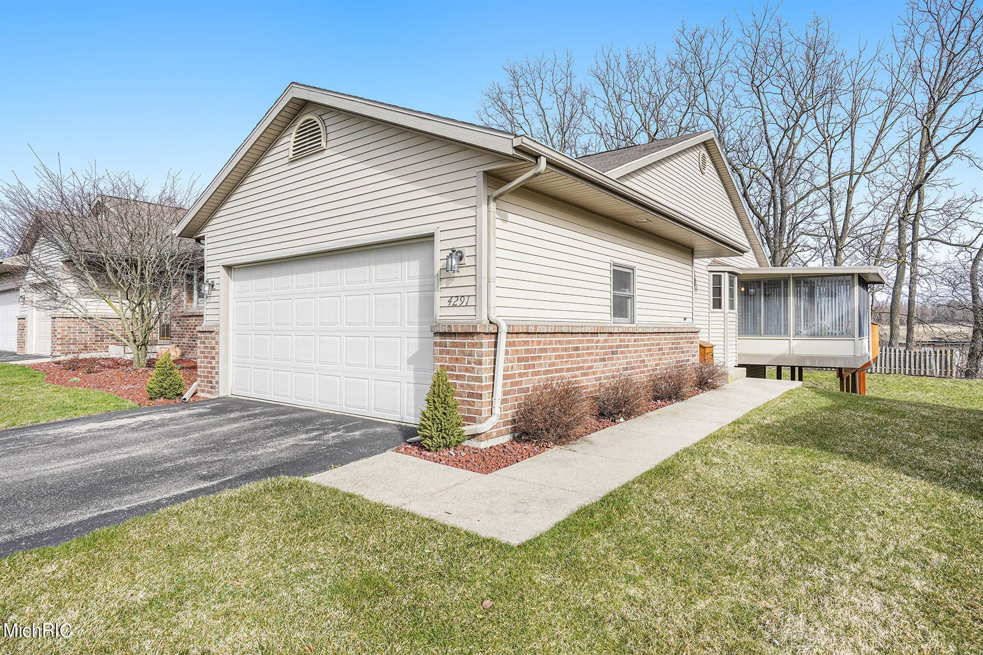 4291 Oak Ridge Drive NW, Grand Rapids, MI 49534 - MLS#: 21010380