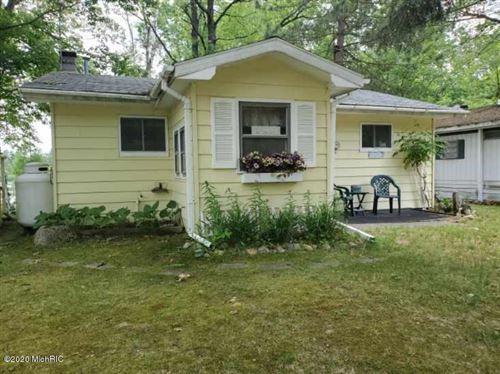 Photo of 9174 Penasha Drive, Reed City, MI 49677 (MLS # 20023390)