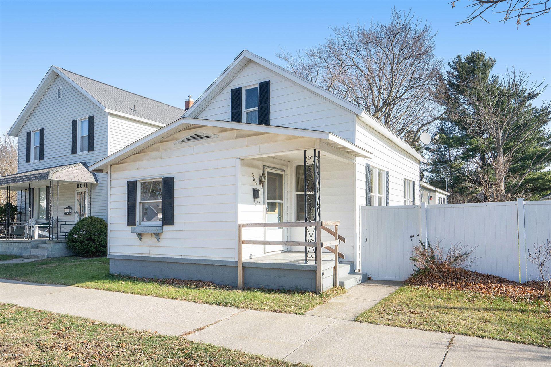 303 S Washington Avenue, Ludington, MI 49431 - MLS#: 20048399