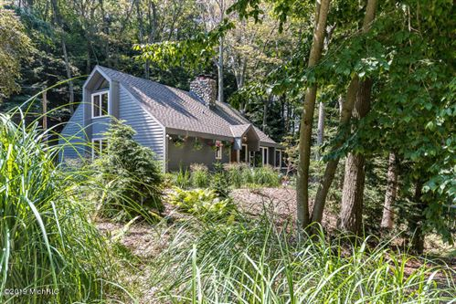 Photo of 18100 Holcomb Road, Grand Haven, MI 49417 (MLS # 21008401)