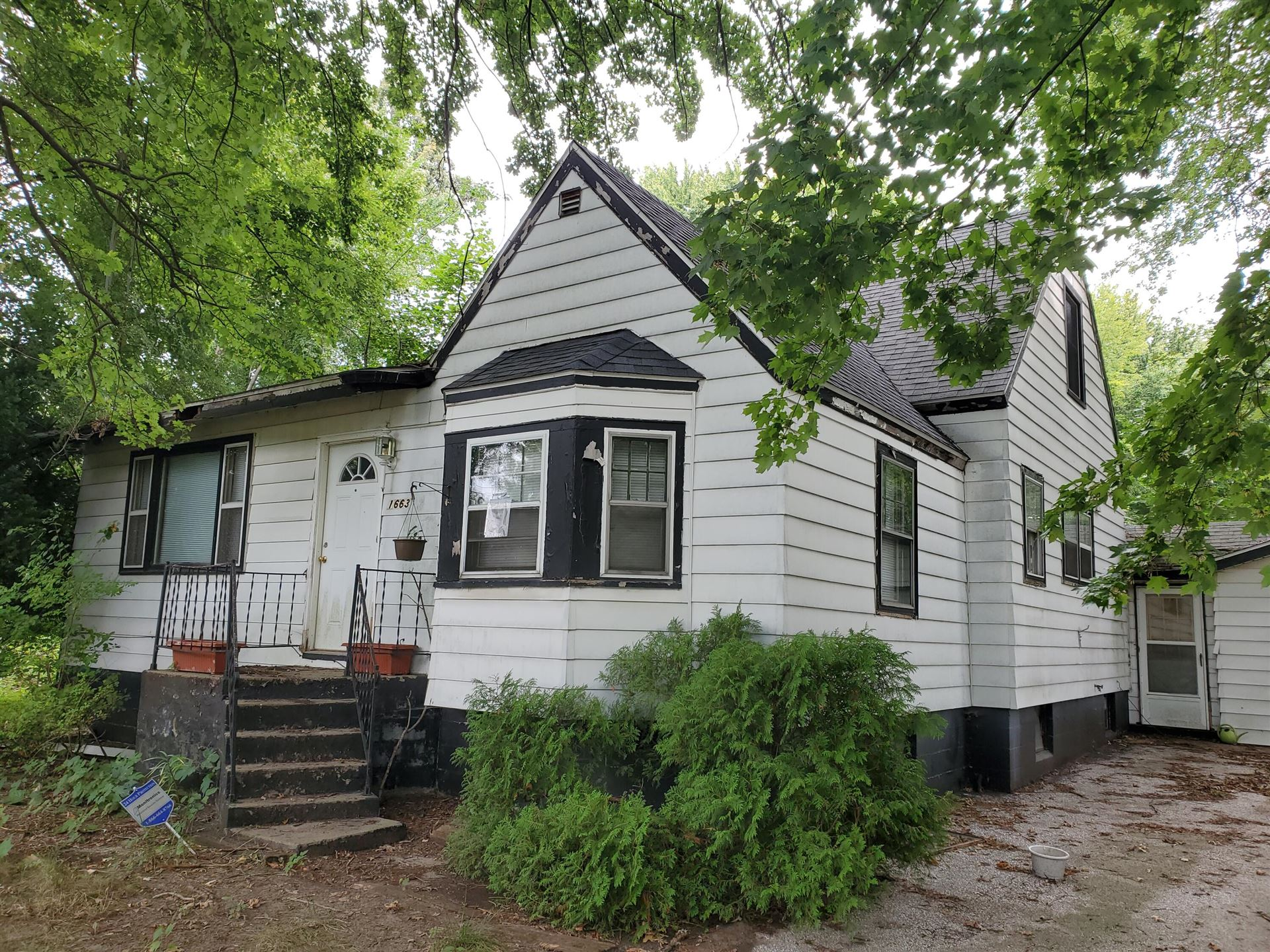 1663 Greenly Avenue, Benton Harbor, MI 49022 - MLS#: 21104401