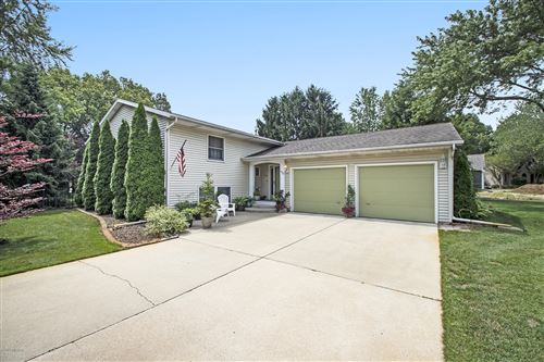Photo of 19722 Dogwood Drive, New Buffalo, MI 49117 (MLS # 20028406)