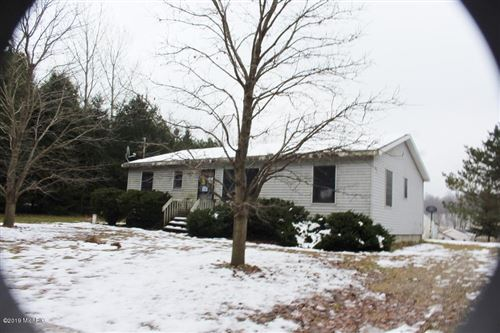 Photo of 2265 W WOODROW Road, Shelby, MI 49455 (MLS # 19057407)