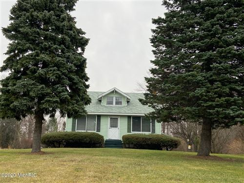 Photo of 04619 Blue Star Highway, South Haven, MI 49090 (MLS # 20050407)