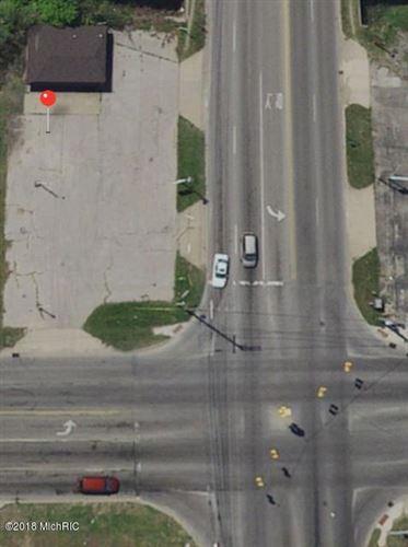 Photo of 2616 S GETTY Street, Muskegon, MI 49444 (MLS # 18049409)