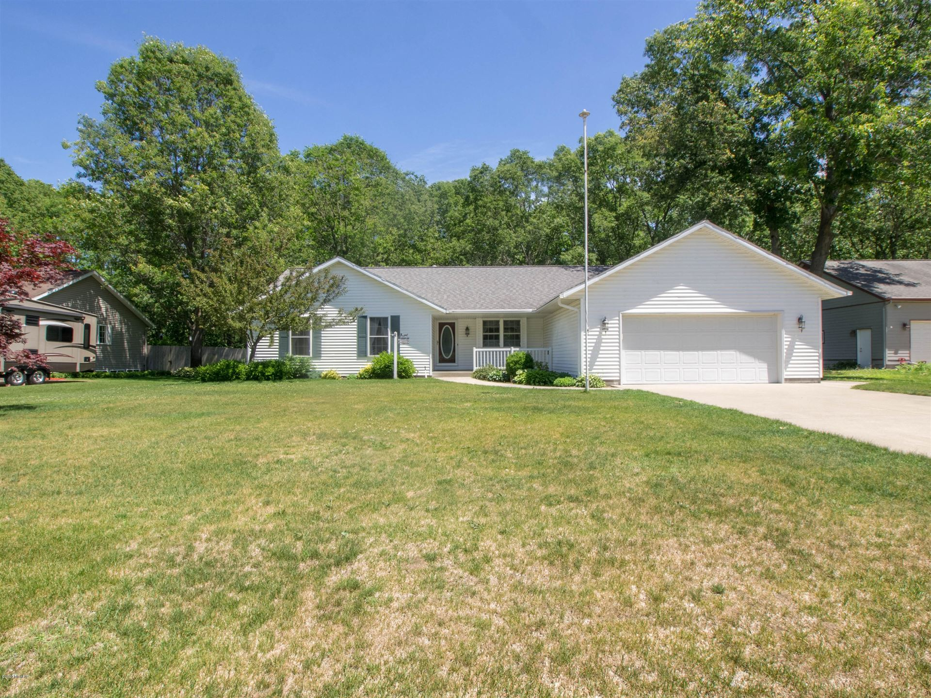 Photo of 1530 Wildwood Drive, Muskegon, MI 49445 (MLS # 20023416)