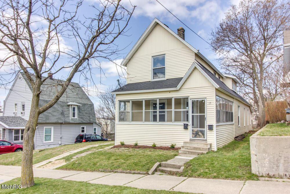 15 Dale Street NW, Grand Rapids, MI 49505 - MLS#: 21010417