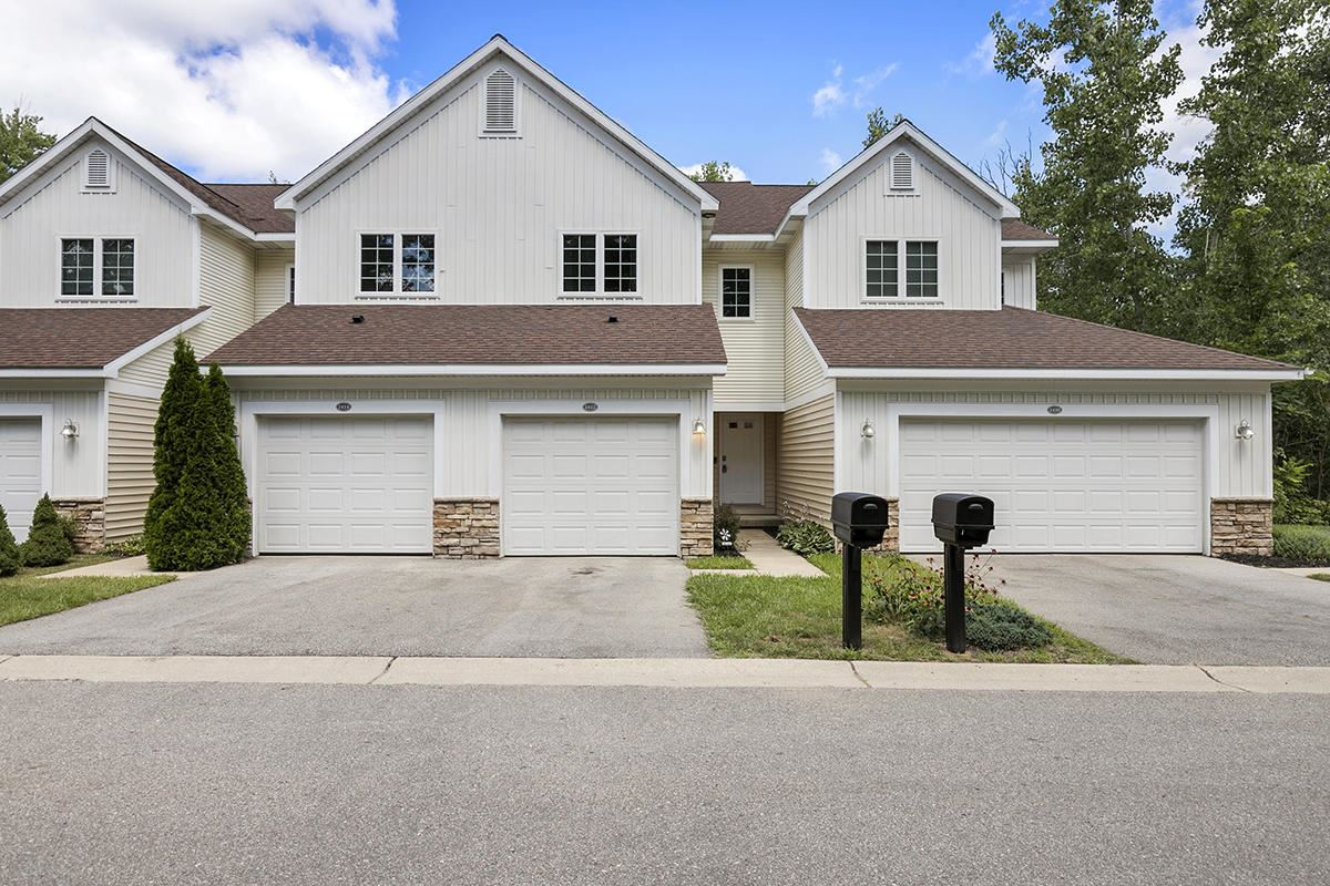 1412 View Point Drive #22, Greenville, MI 48838 - MLS#: 21098427