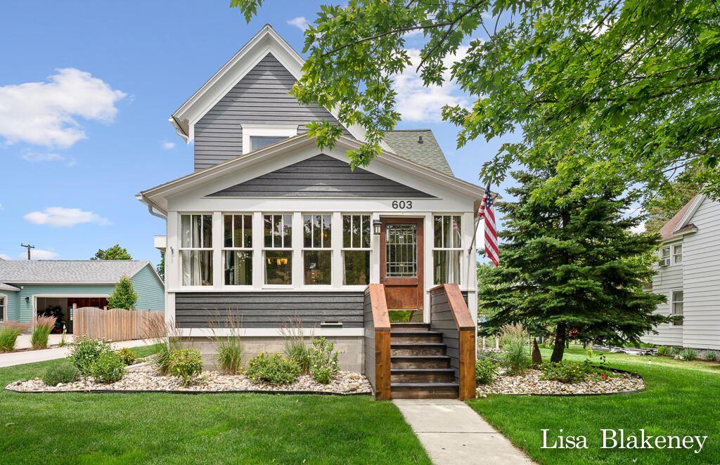 Photo of 603 Lafayette Avenue, Grand Haven, MI 49417 (MLS # 21024443)