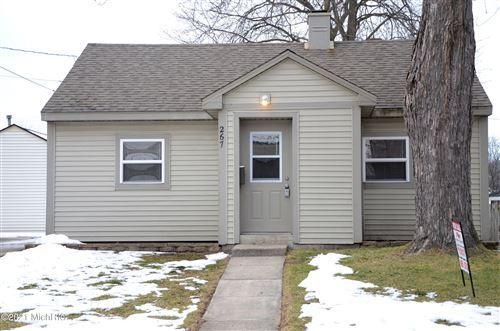Photo of 267 Leyden Avenue SW, Grand Rapids, MI 49504 (MLS # 21001446)