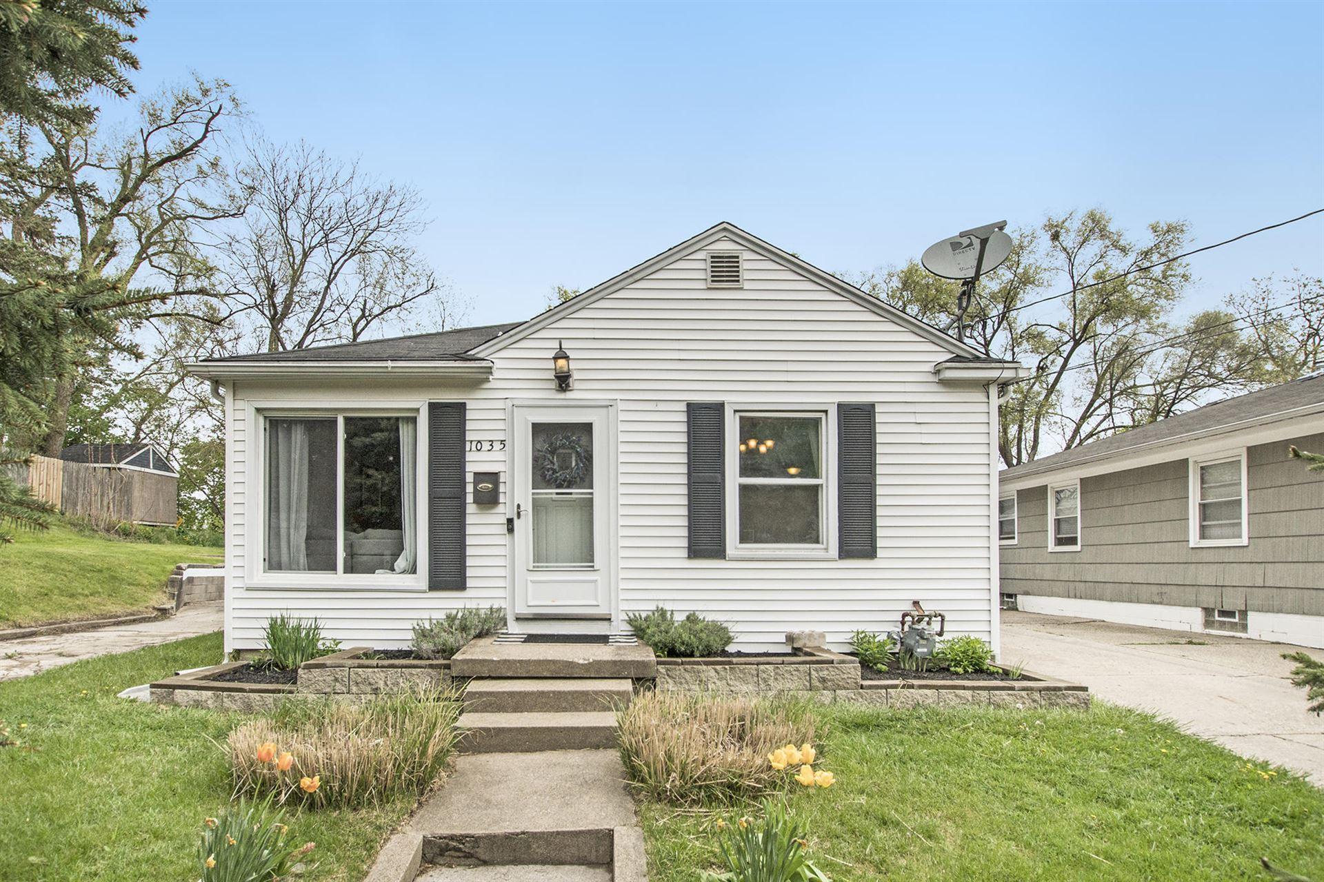 1035 Crescent Street NE, Grand Rapids, MI 49503 - MLS#: 21015449