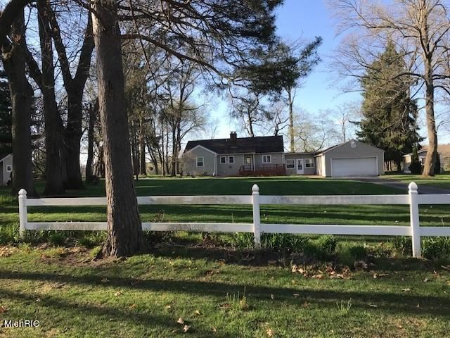 Photo of Grand Rapids, MI 49546 (MLS # 21012450)