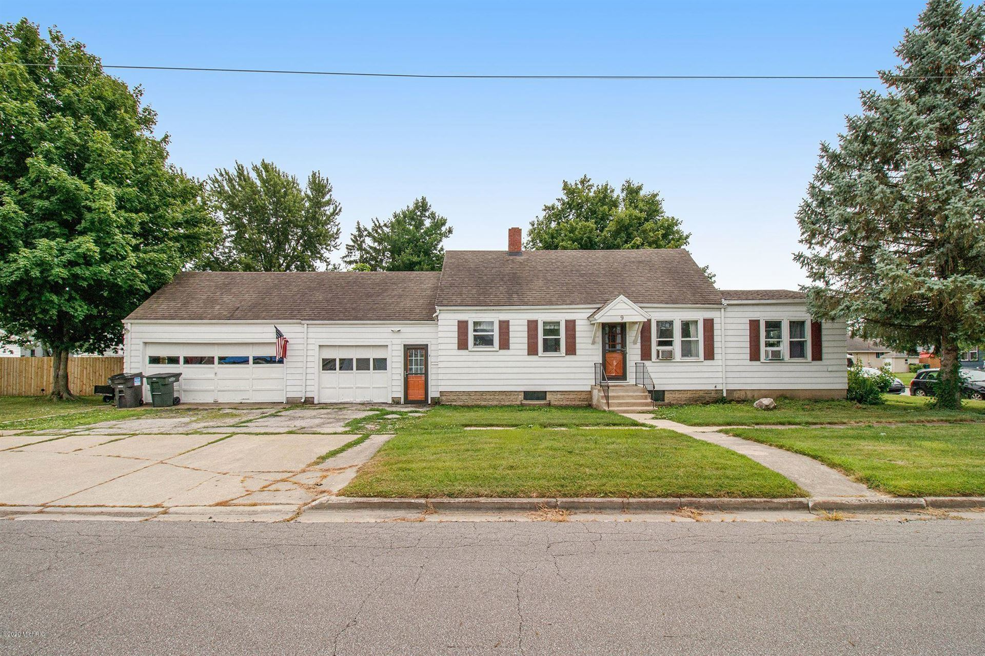 9 Michigan Street W, Three Oaks, MI 49128 - MLS#: 20028452