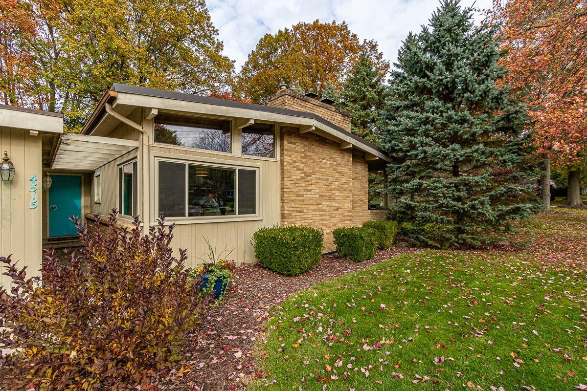 Photo of 4515 Braeburn SE, Grand Rapids, MI 49546 (MLS # 21105467)