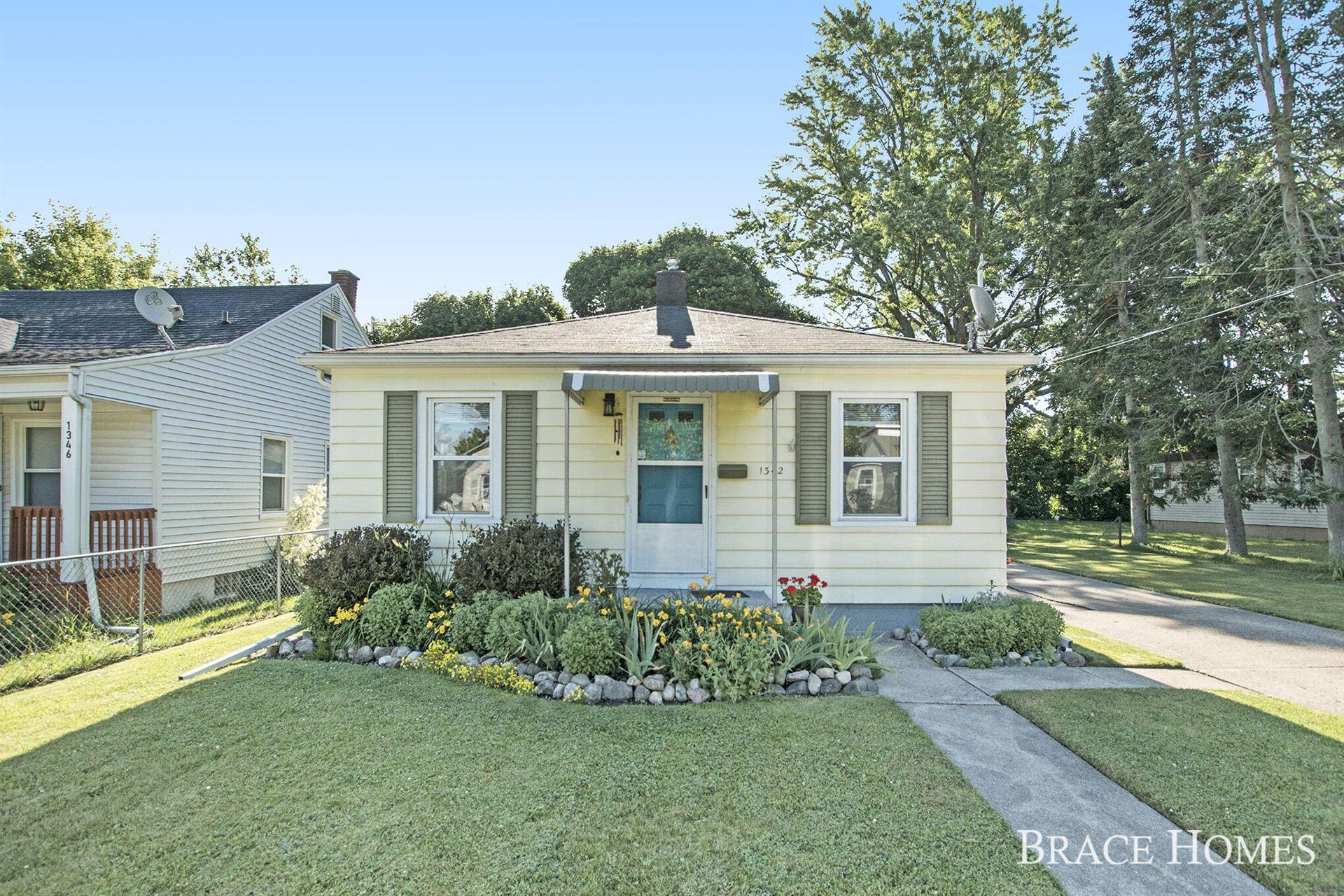 1342 Houseman Avenue NE, Grand Rapids, MI 49505 - MLS#: 21024478