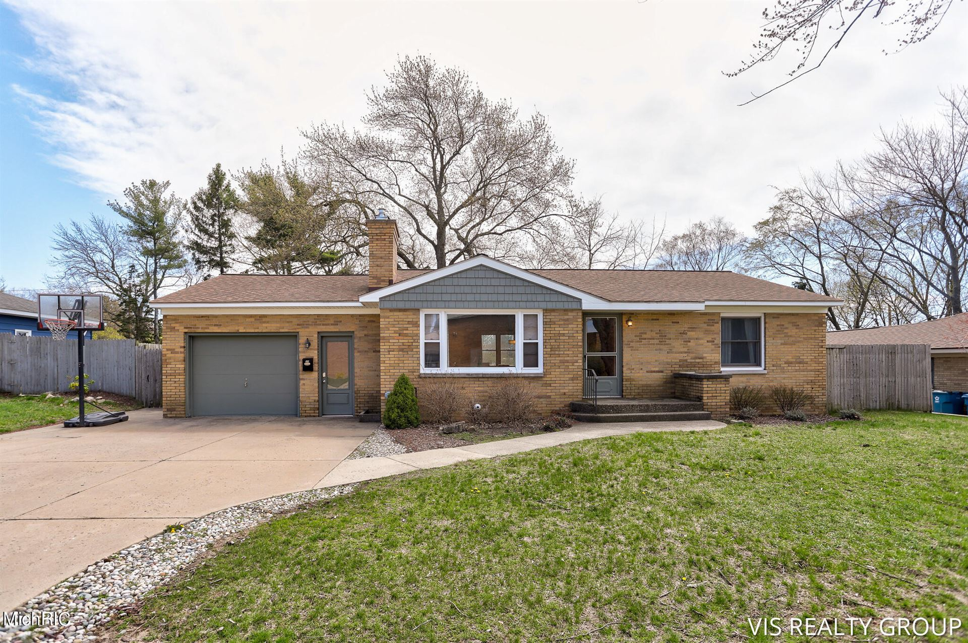 520 Taylor Avenue, Grand Haven, MI 49417 - MLS#: 21012489