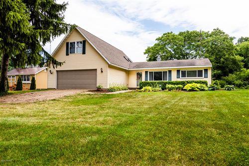 Photo of 3627 Lakeshore Drive, St. Joseph, MI 49085 (MLS # 20026493)