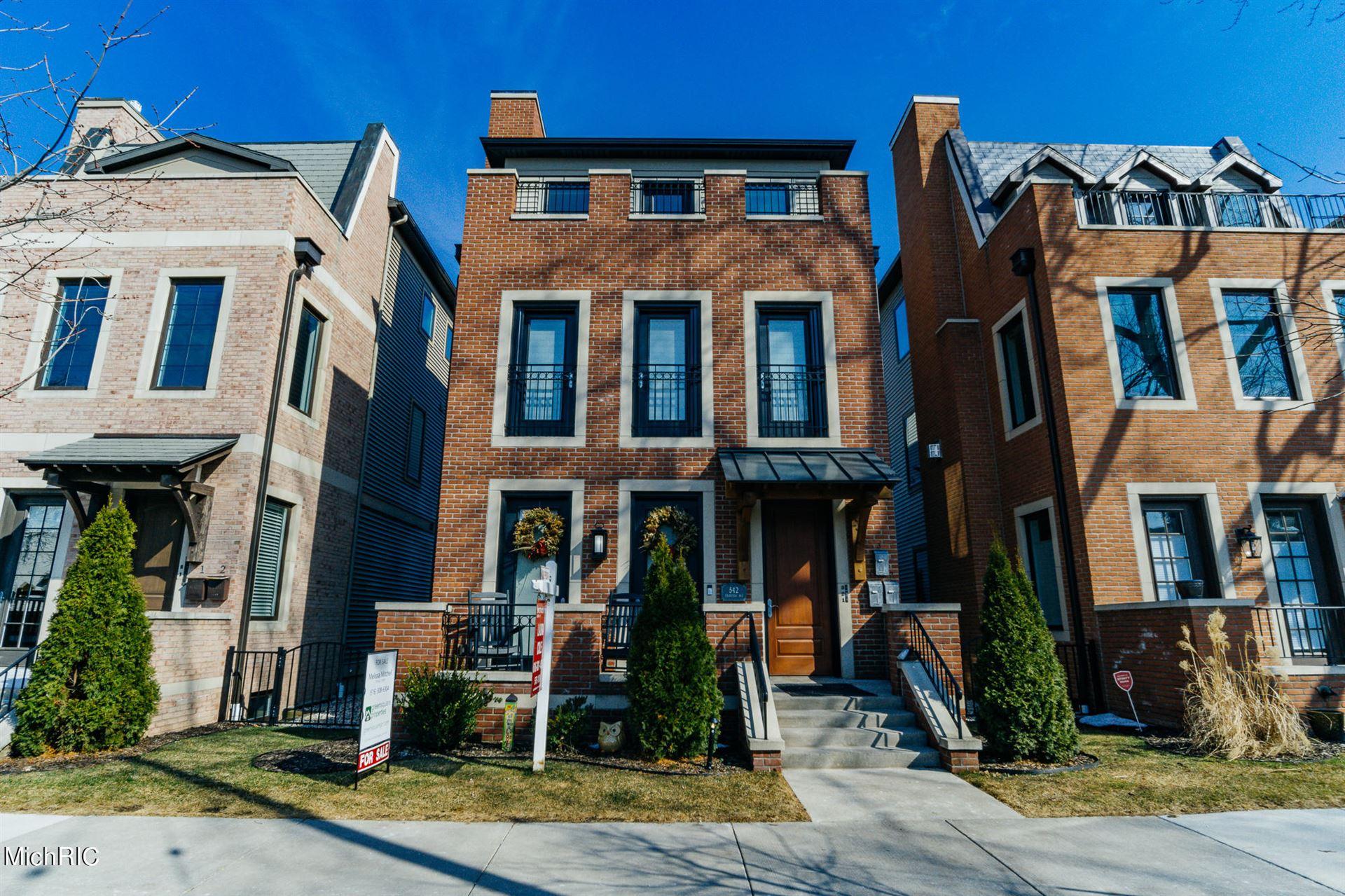 542 Fairview Avenue NE #3, Grand Rapids, MI 49503 - MLS#: 21005497