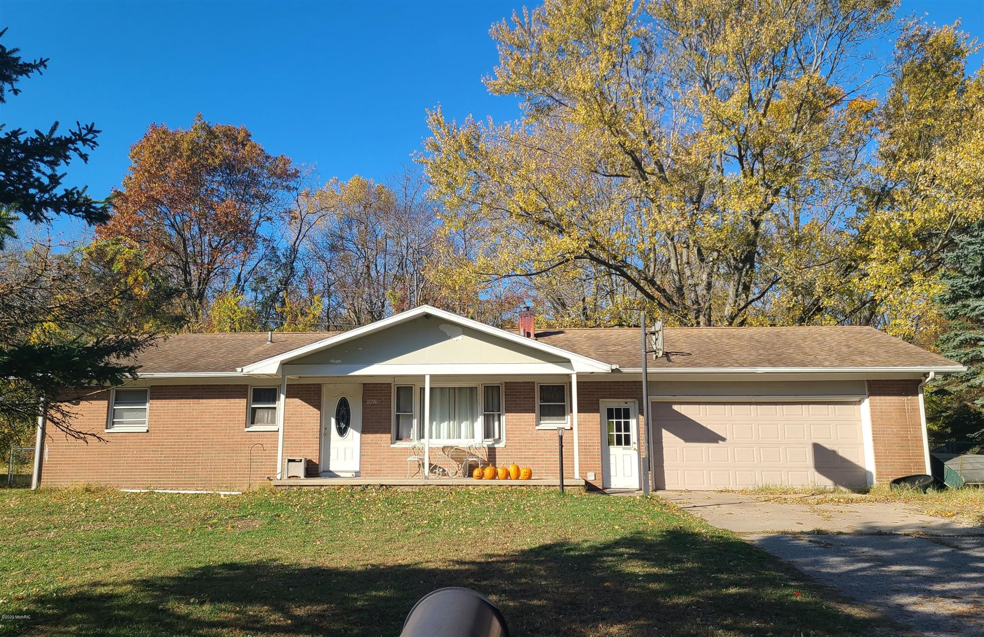 1096 Louis Drive, Benton Harbor, MI 49022 - MLS#: 21010502