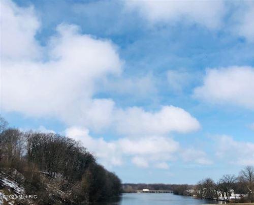 Photo of 666 N CYGNET LAKE Drive, Benton Harbor, MI 49022 (MLS # 14038508)