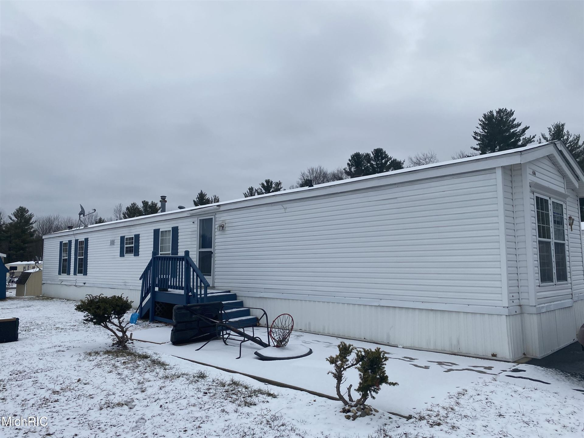 634 S Salmon Street, Newaygo, MI 49337 - MLS#: 21008515