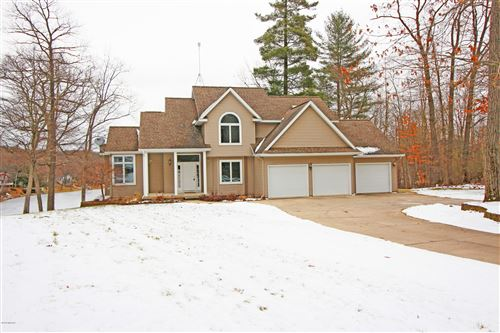 Photo of 6772 Bayview Court, Lakeview, MI 48850 (MLS # 20000517)