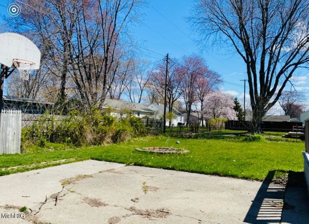 Photo of 1056 Sherwood Road, Muskegon, MI 49441 (MLS # 21013526)