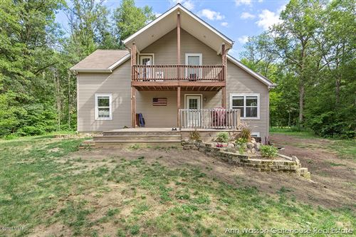 Photo of 21008 Tamarack Road, Howard City, MI 49329 (MLS # 20029538)