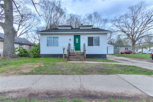 Photo of 528 Creston Street, Muskegon, MI 49442 (MLS # 21011553)