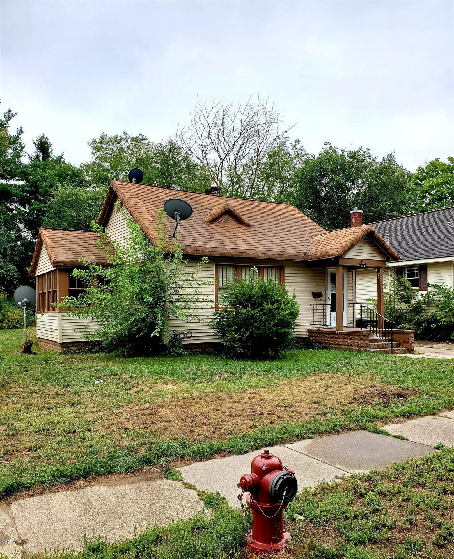 Photo of 739 Allen Avenue, Muskegon, MI 49442 (MLS # 20038557)