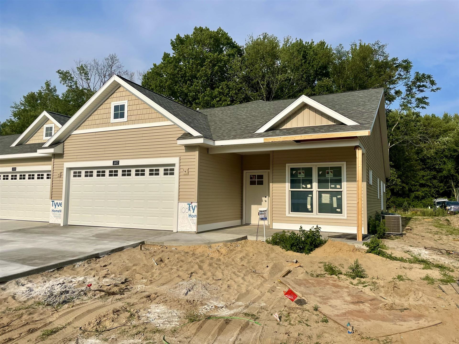 1007 Maplewood Court, Holland, MI 49423 - MLS#: 21000557