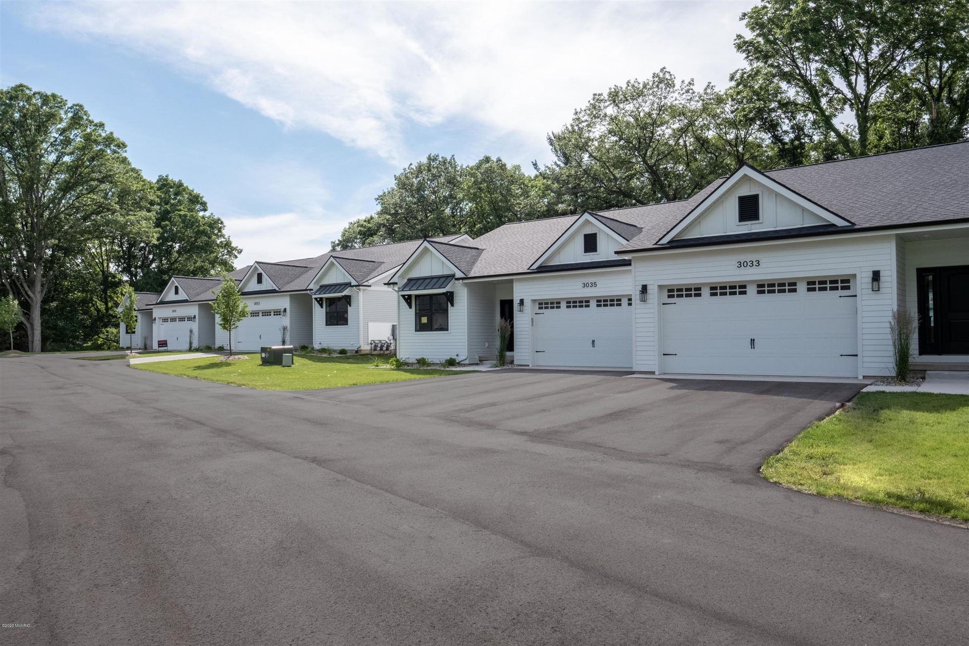 3033 West Bluffs Drive SE #2, Grand Rapids, MI 49546 - #: 20006559