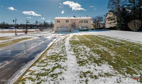 Photo of 14506 Angelus Circle, Grand Haven, MI 49417 (MLS # 21002563)