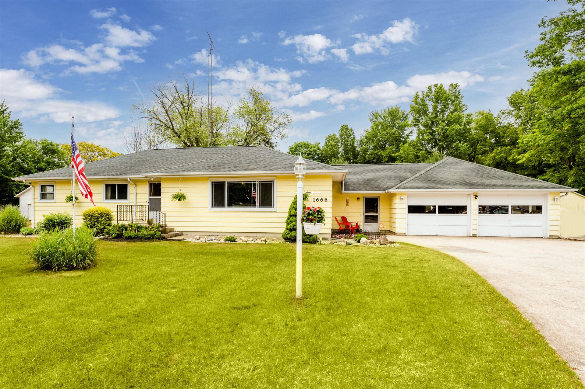 1666 Maple Lane, Benton Harbor, MI 49022 - MLS#: 21023563