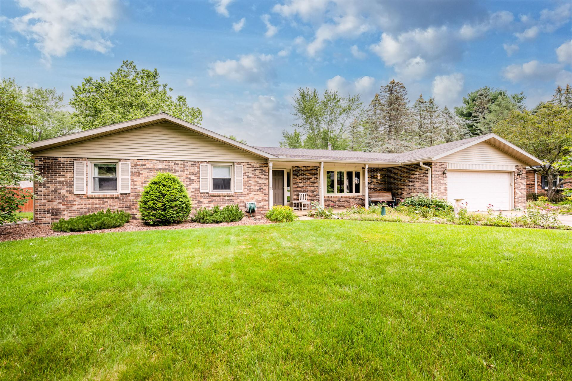 1589 Oak Terrace, Saint Joseph, MI 49085 - MLS#: 21027568
