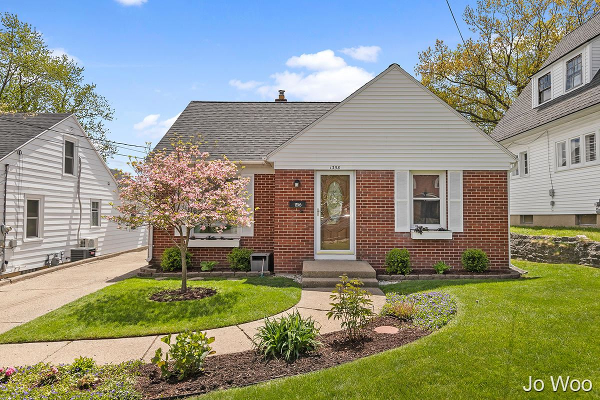 1358 Myrtle Street NW, Grand Rapids, MI 49504 - MLS#: 21016576