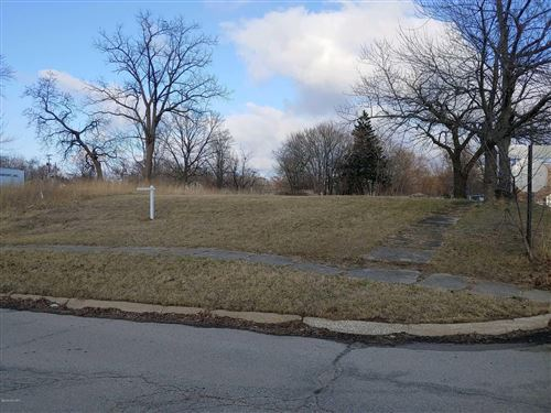 Photo of 109 Garfield Avenue, Benton Harbor, MI 49022 (MLS # 20011582)