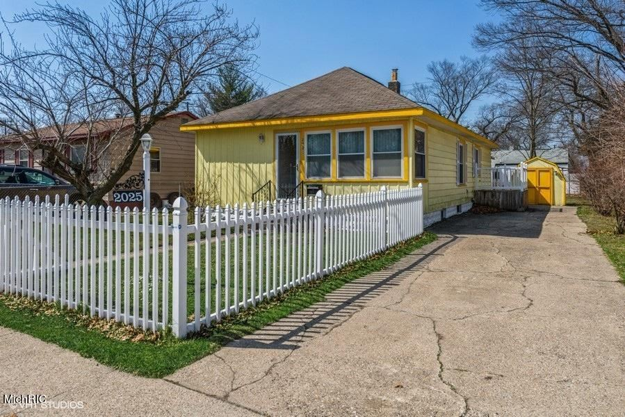 2025 Howden Street, Muskegon Heights, MI 49444 - MLS#: 21011594