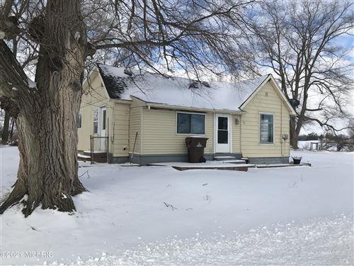 Photo of 532 S Elm Street, Ithaca, MI 48847 (MLS # 20048596)