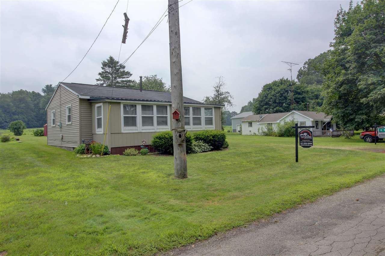 695 SWAINS LAKE DR, Concord, MI 49237 - MLS#: 21096597