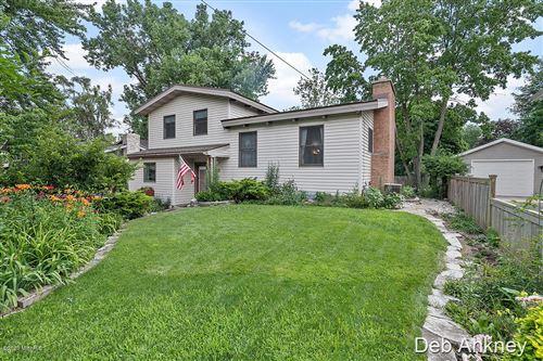 Photo of 1138 Pinecrest Avenue SE, East Grand Rapids, MI 49506 (MLS # 20025603)
