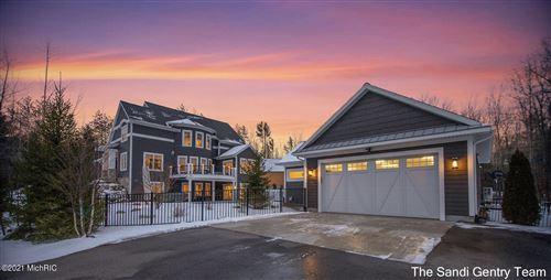Photo of 17885 W Spring Lake Road, Spring Lake, MI 49456 (MLS # 21002611)