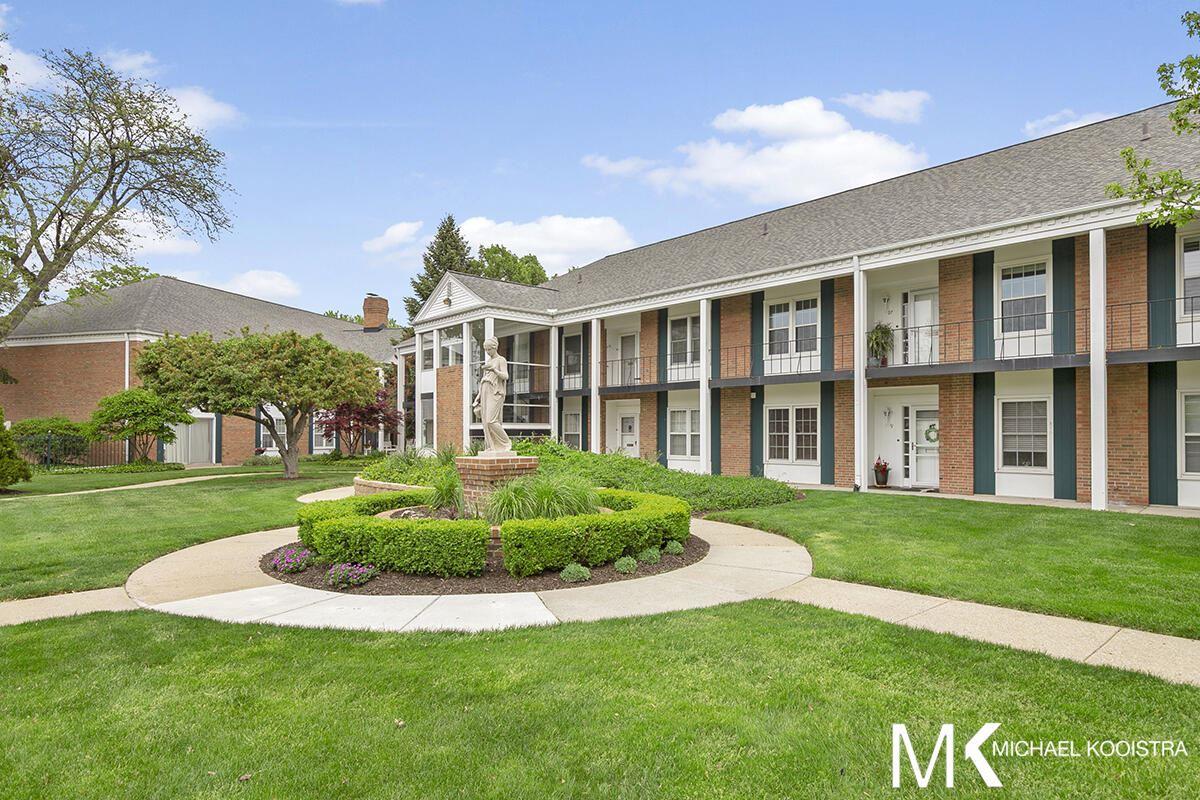 2311 Wealthy Street SE #27, East Grand Rapids, MI 49506 - MLS#: 21018613