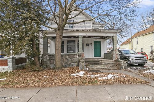 Photo of 953 Douglas Street NW, Grand Rapids, MI 49504 (MLS # 21001625)