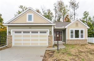 Photo of 612 Cygnet Lake Drive, Benton Harbor, MI 49022 (MLS # 19003634)