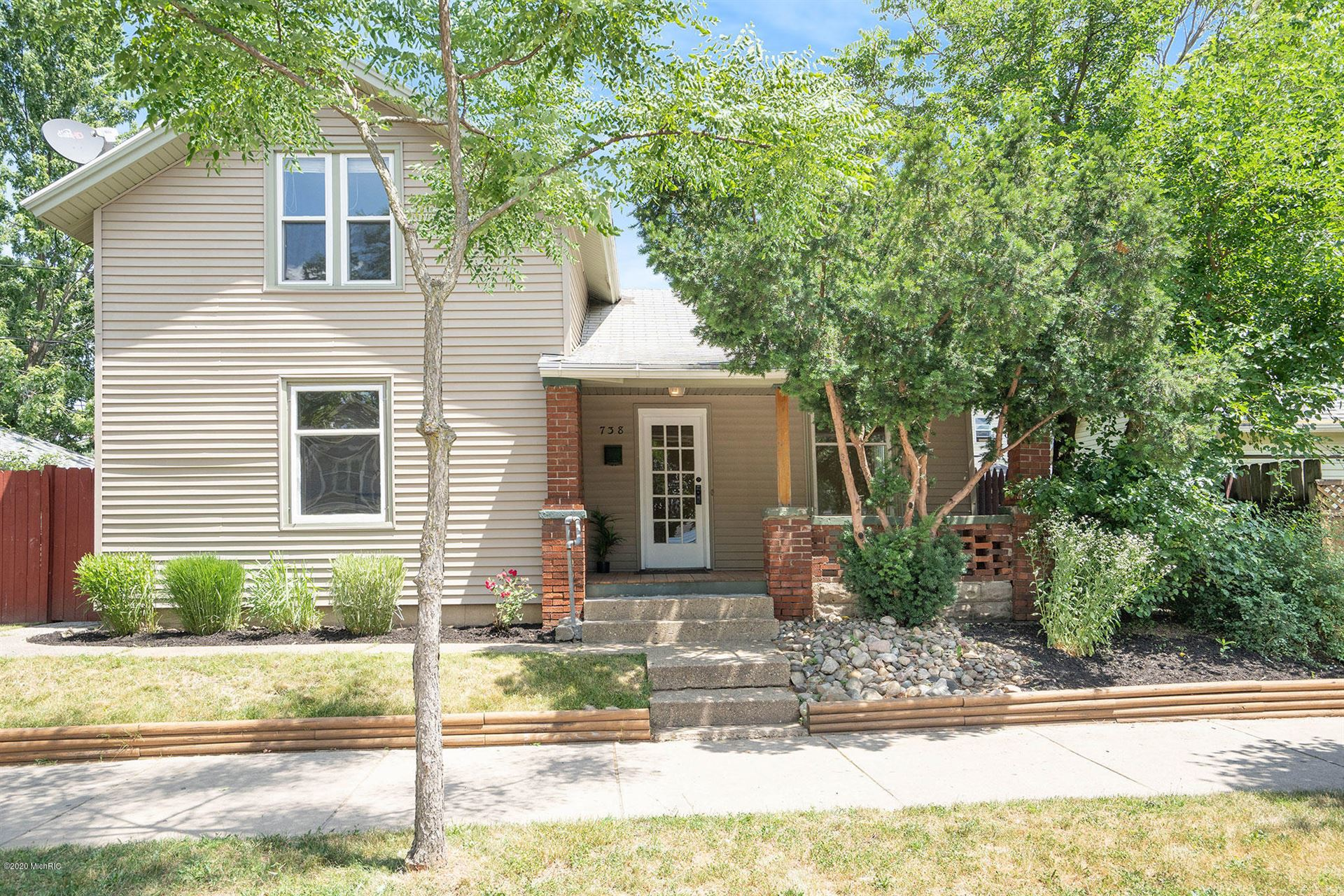 738 Alpine Avenue NW, Grand Rapids, MI 49504 - MLS#: 20025637