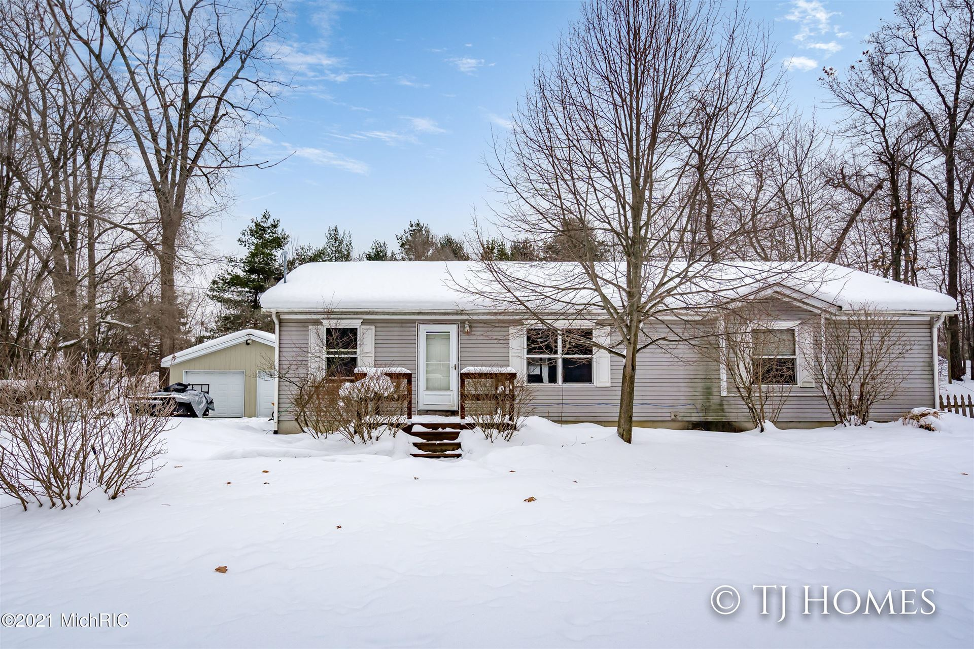 3534 3 Mile Road NE, Grand Rapids, MI 49525 - MLS#: 21005638